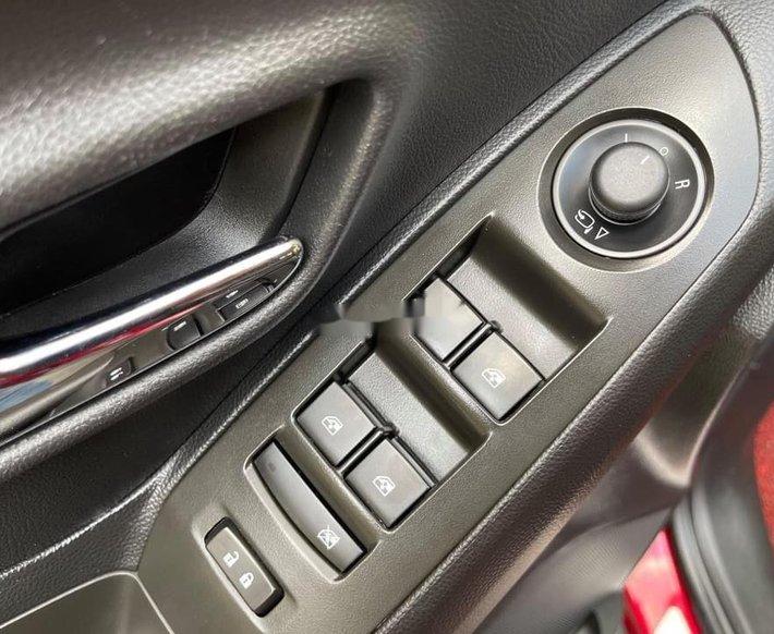 Bán Chevrolet Trax năm 2017, màu đỏ, nhập khẩu11