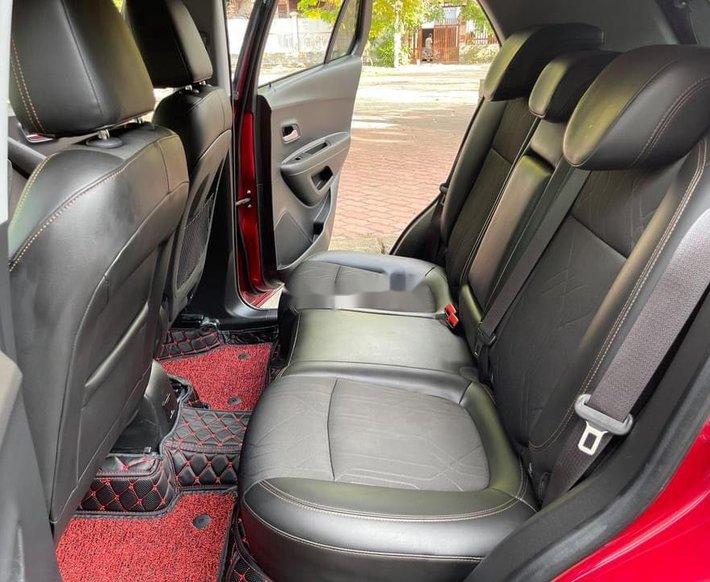 Bán Chevrolet Trax năm 2017, màu đỏ, nhập khẩu5