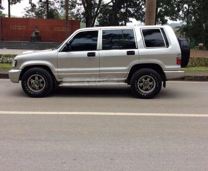 Bán xe Isuzu Trooper SE năm sản xuất 2002, màu bạc, giá 125tr2