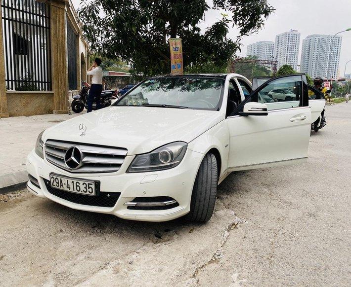 Chính chủ cần bán Mercedes Benz C Class 20112