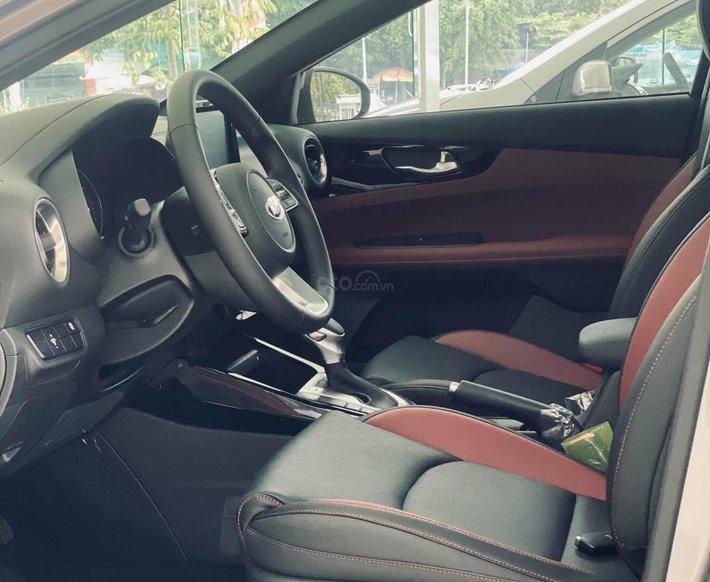 Kia Cerato 2.0 AT Premium - 685tr, ưu đãi4