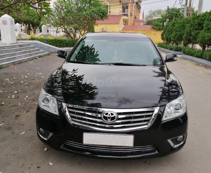Cần bán lại xe Toyota Camry sản xuất 201514