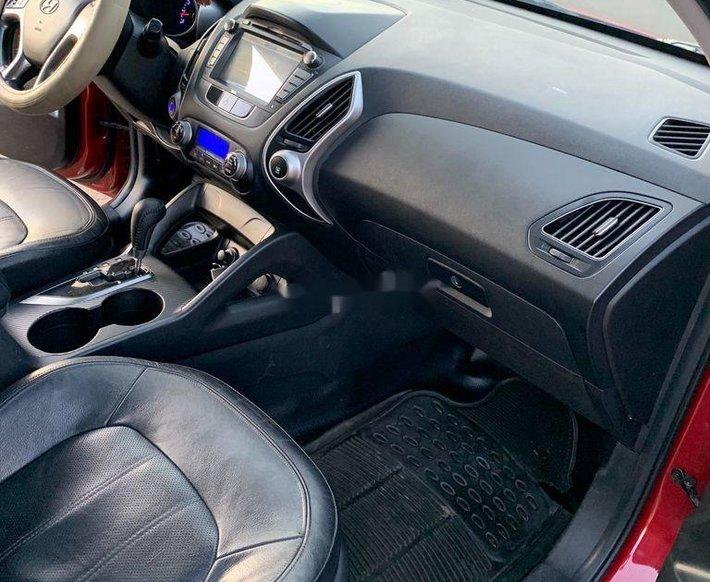 Cần bán xe Hyundai Tucson sản xuất năm 2010, màu đỏ, xe nhập7