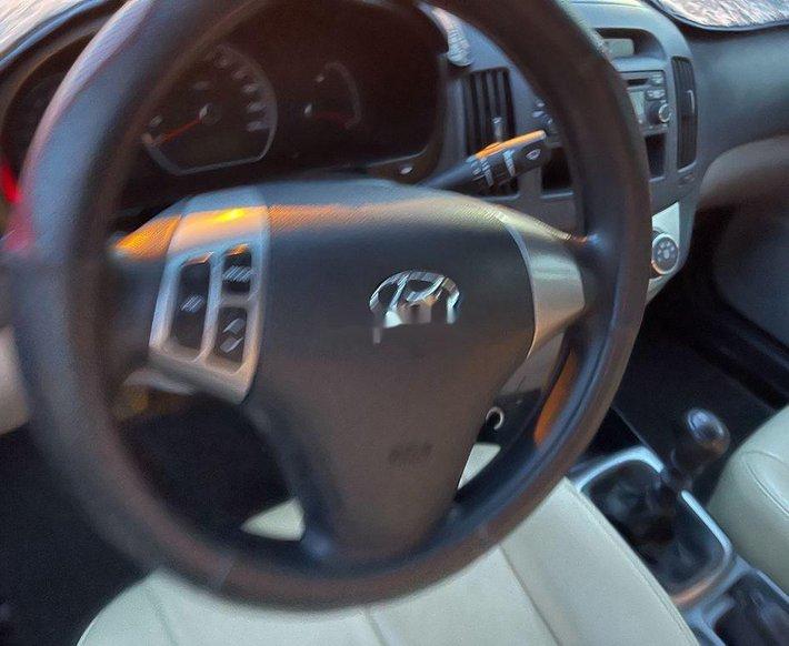 Bán xe Hyundai Avante sản xuất 2015, màu bạc như mới5
