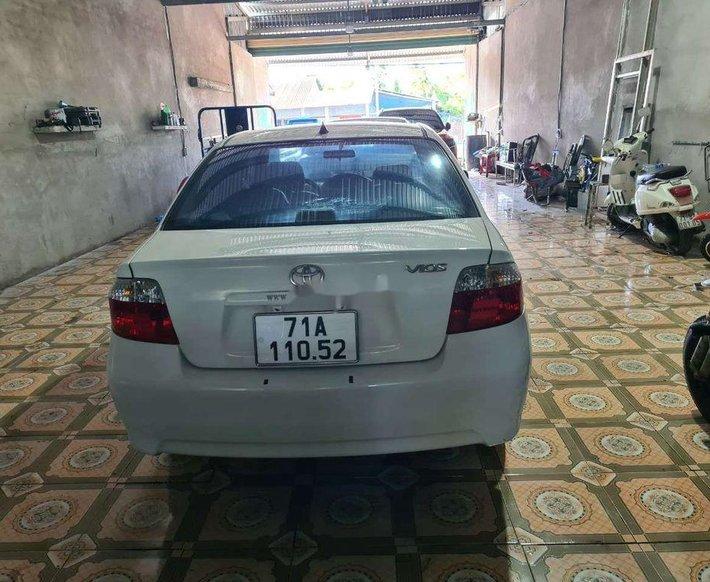 Bán Toyota Vios đời 2005, màu trắng5