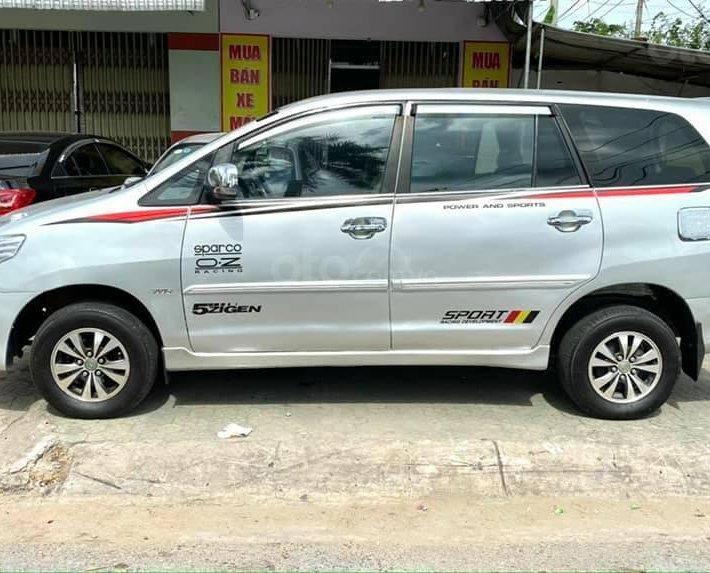 Bán Toyota Innova năm sản xuất 2014, màu bạc1