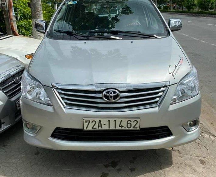 Bán Toyota Innova năm sản xuất 2014, màu bạc0