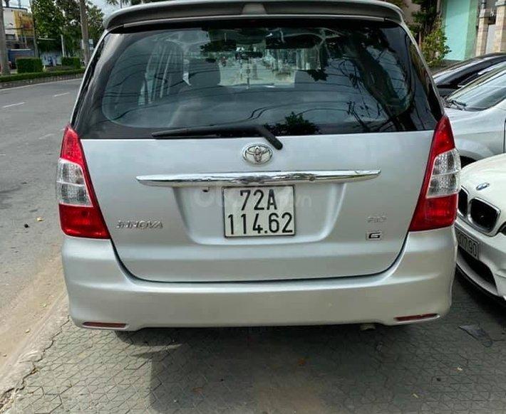 Bán Toyota Innova năm sản xuất 2014, màu bạc2