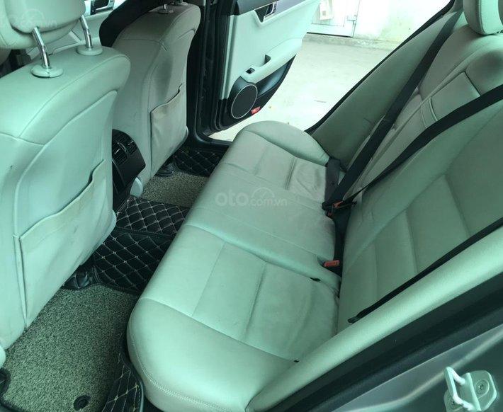 Mercedes Benz C Class 2010 tự động4