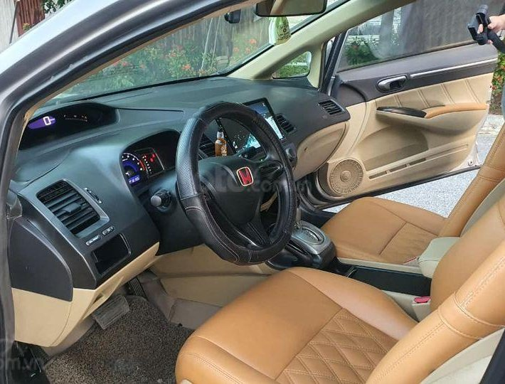 Xe Honda Civic đời 2009, màu xám xe gia đình, giá cả hợp lý3