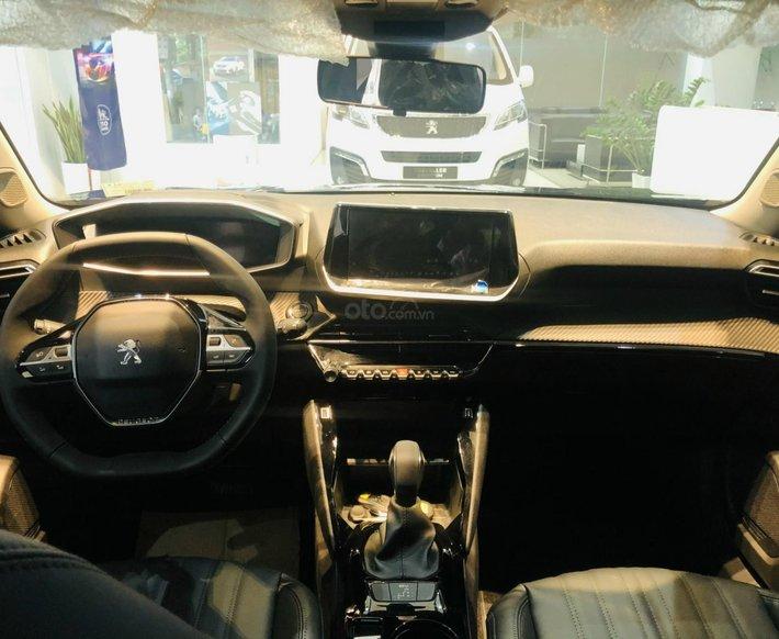 [Peugeot Thanh Xuân] bán Peugeot 2008, siêu ưu đãi quà tặng bệ bước + film CN + lót cốp, thảm sàn7