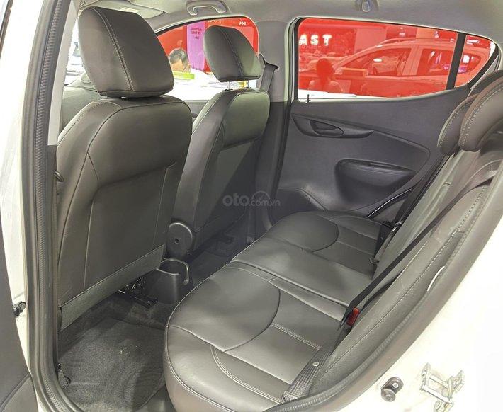 Xe VinFast Fadil 2021 phiên bản nâng cao, màu đỏ, giao ngay, khuyến mãi hấp dẫn và nhiều quà tặng chính hãng7