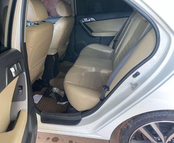 Bán Kia Forte đời 2013, màu trắng, xe nhập chính chủ8