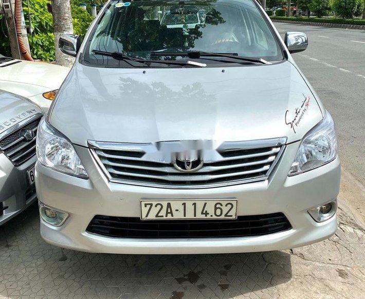 Cần bán lại xe Toyota Innova sản xuất 2014, nhập khẩu0