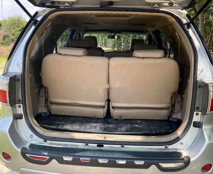 Cần bán Toyota Fortuner sản xuất 2011 còn mới6
