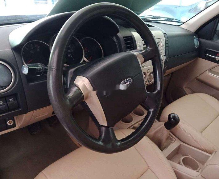 Cần bán lại xe Ford Everest năm sản xuất 2009, xe nhập còn mới5