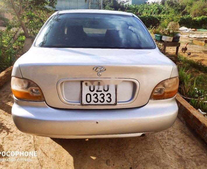 Xe Hyundai Accent sản xuất 1995, màu bạc, nhập khẩu 2