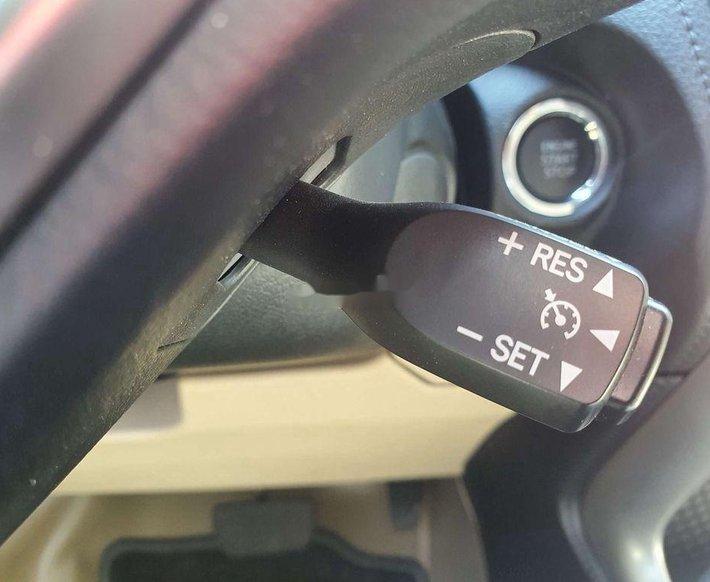 Cần bán xe Toyota Vios 1.5G đời 2020, màu đen còn mới, giá 575tr8