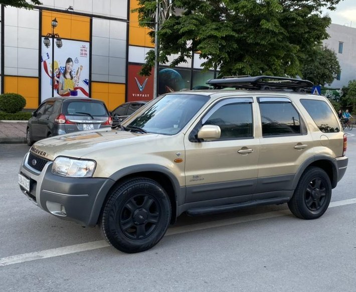 Cần bán lại xe Ford Escape sản xuất 2003 đẹp, rẻ, mức giá hấp dẫn1