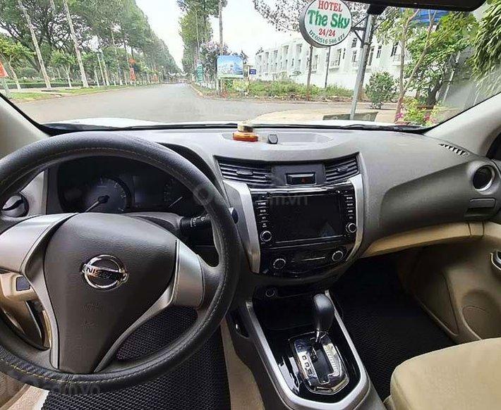 Cần bán lại xe Nissan Navara 2018, màu trắng, xe nhập3