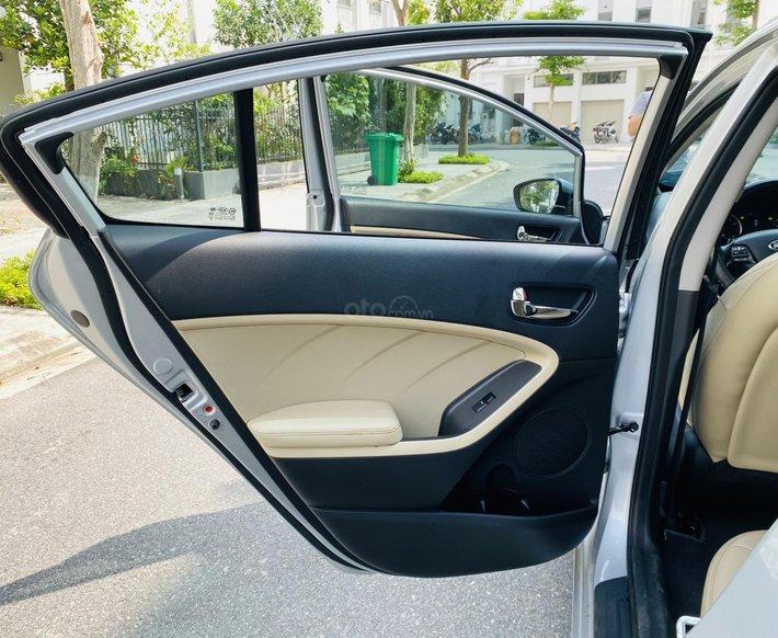 Xe hot Kia Cerato 2.0 AT 2018, 550tr6