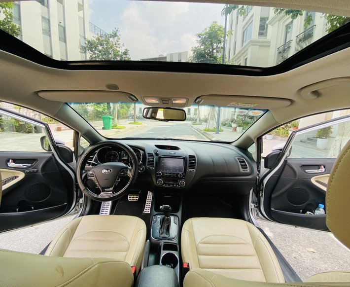 Xe hot Kia Cerato 2.0 AT 2018, 550tr5
