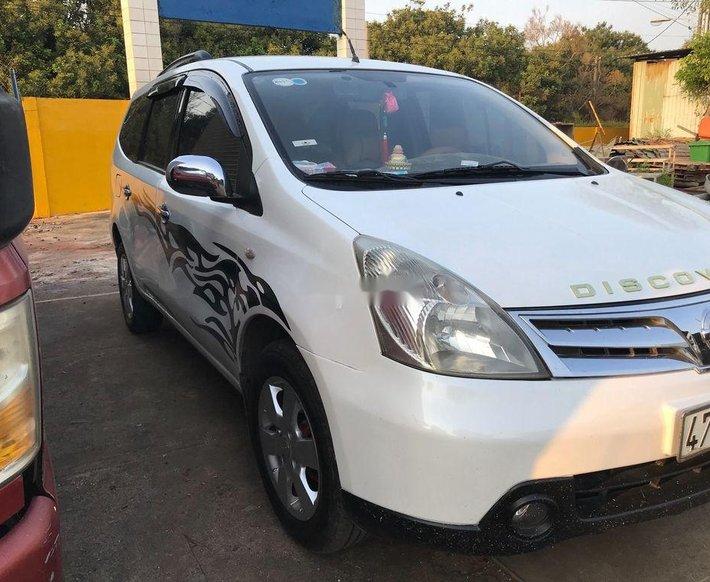 Cần bán Nissan Livina năm 2011, màu trắng, nhập khẩu xe gia đình 8