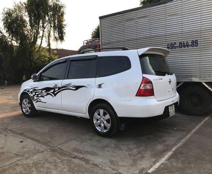 Cần bán Nissan Livina năm 2011, màu trắng, nhập khẩu xe gia đình 1
