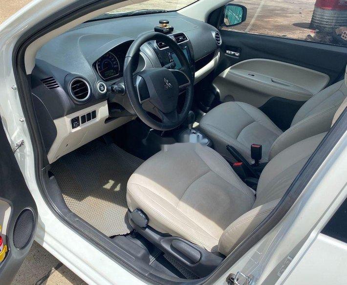 Bán Mitsubishi Attrage năm sản xuất 2015, màu trắng, nhập khẩu nguyên chiếc còn mới, giá tốt5