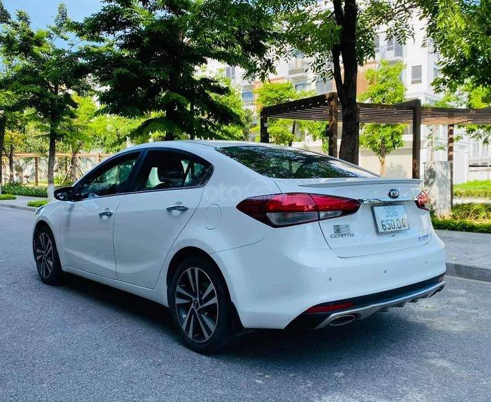 Bán Kia Cerato 1.6AT sx 2017 màu trắng3
