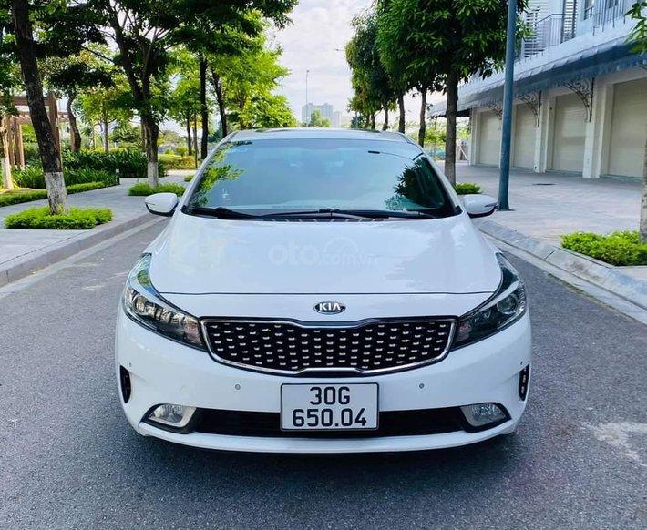 Bán Kia Cerato 1.6AT sx 2017 màu trắng0