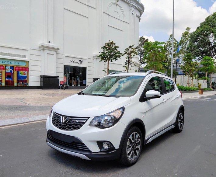Xe VinFast Fadil 2021 bản cao cấp, màu trắng, giao ngay kèm quà tặng chính hãng4