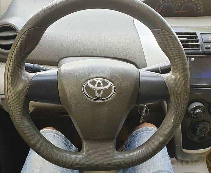 Xe Toyota Vios năm 2010 còn mới2