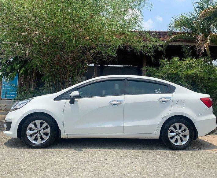 Bán xe Kia Rio sản xuất 2017, màu trắng, nhập khẩu 0