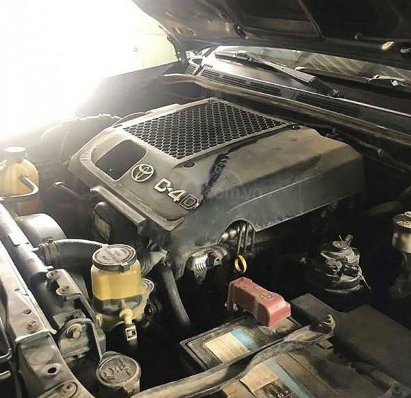 Xe Toyota Fortuner năm sản xuất 2013, màu xám còn mới2