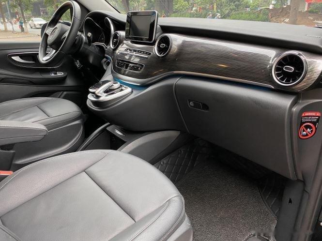 Xe Mercedes V Class sản xuất 2019, màu đen, giá tốt10