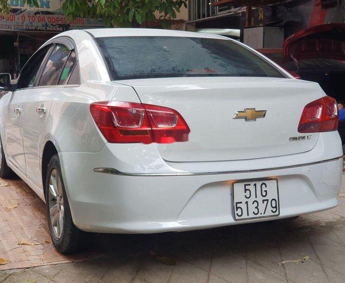 Bán Chevrolet Cruze năm 2017, màu trắng3