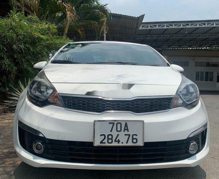 Bán xe Kia Rio sản xuất 2017, màu trắng, nhập khẩu 1