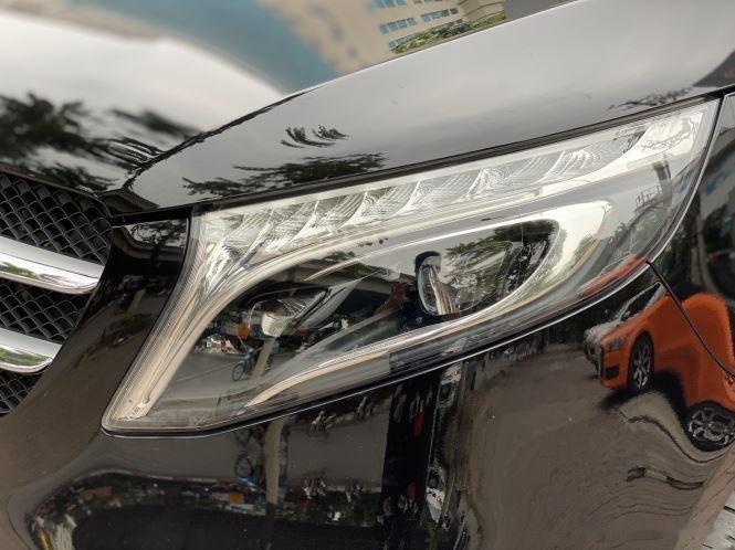 Xe Mercedes V Class sản xuất 2019, màu đen, giá tốt8