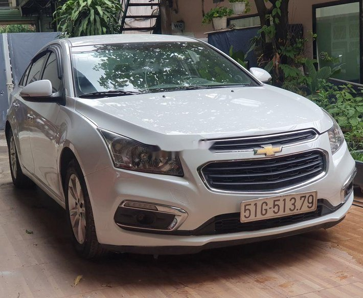 Bán Chevrolet Cruze năm 2017, màu trắng2
