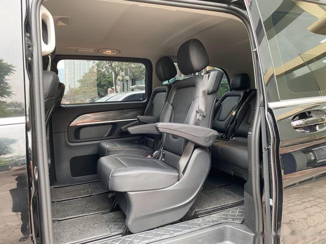 Xe Mercedes V Class sản xuất 2019, màu đen, giá tốt3