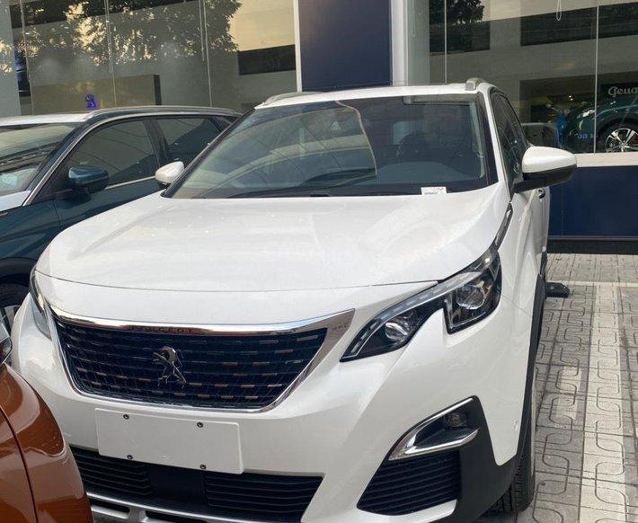 Peugeot Thanh Xuân bán Peugeot 5008 tặng 1 năm bảo hiểm thân vỏ trị giá 15 triệu, trả góp 85% hỗ trợ lái thử0
