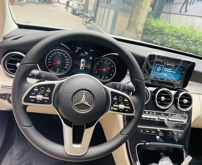 Mercedes C180 AMG đi 50km - Bán lỗ 200tr5