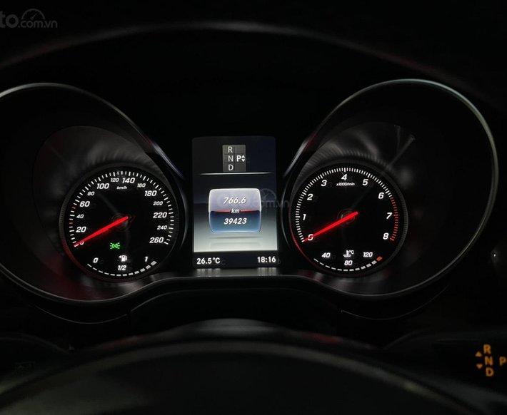 Bán ô tô Mercedes V250 năm sản xuất 20179