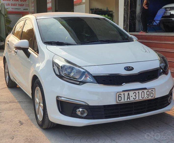 Cần bán Kia Rio sản xuất 2016, màu trắng xe còn mới nguyên bản, máy móc ổn định1