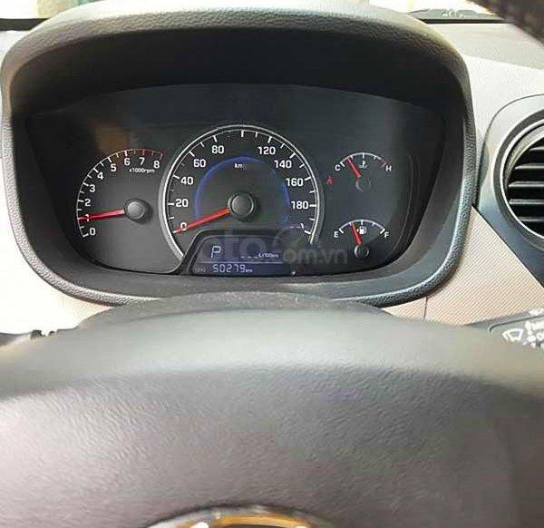 Cần bán xe Hyundai Grand i10 1.0 AT năm 2014, màu vàng, nhập khẩu nguyên chiếc, giá chỉ 288 triệu2