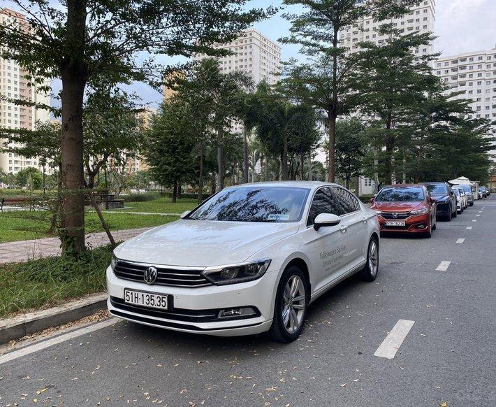 (Xe chính hãng) - 1 xe Passat Bluemotion màu trắng độ độc nhất Sài Gòn - Biển số đẹp0