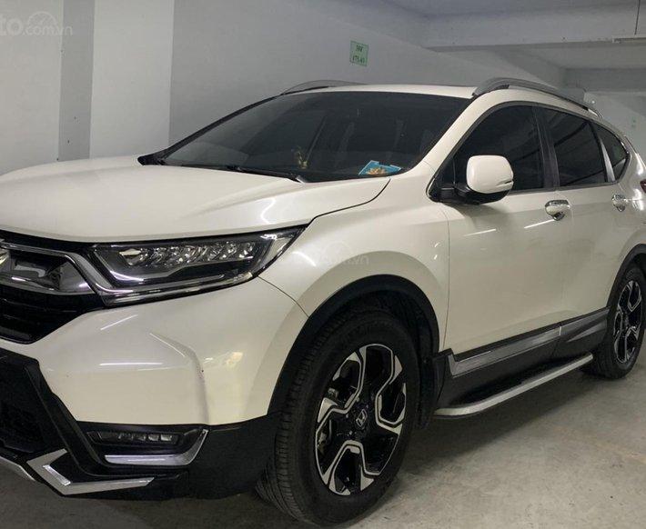 Cần bán lại xe Honda CR V năm 2018, giá 900 triệu0