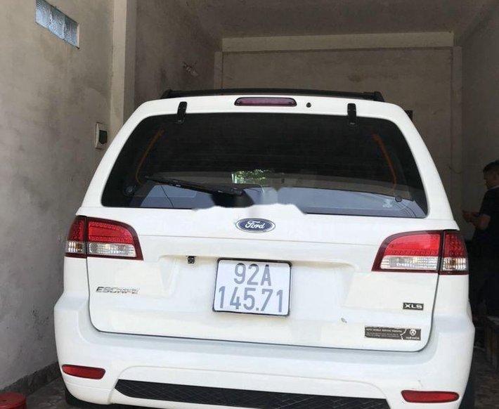 Cần bán xe Ford Escape 2012, màu trắng còn mới0