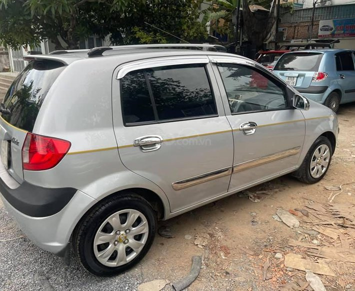 Cần bán gấp Hyundai Getz 2009, màu bạc0